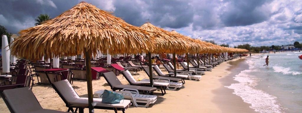 Vendita Ombrelloni Da Spiaggia Napoli.Ombrelloni E Gazebo In Paglia Coperture In Paglia Africana